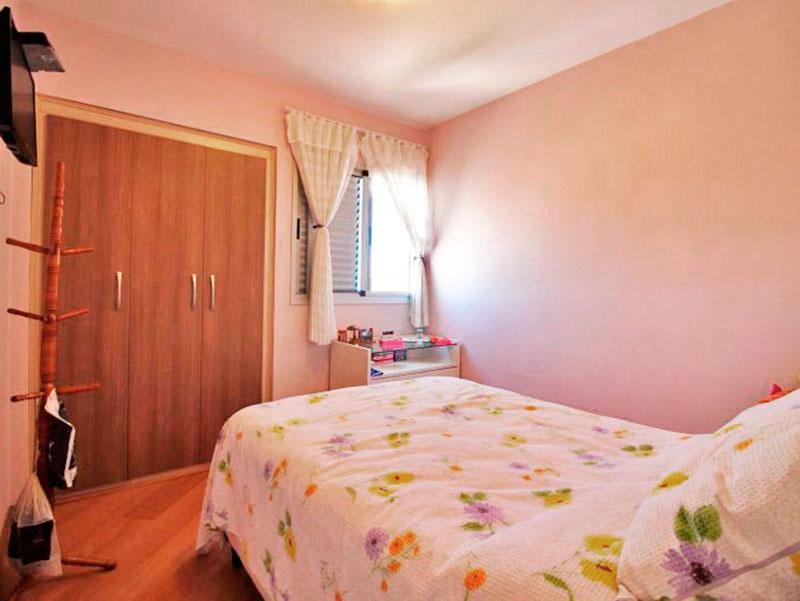 Sacomã, Apartamento Padrão-2º Quarto com piso de laminado e armários embutidos.
