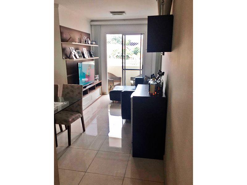 Sacomã, Apartamento Padrão-Sala com piso de porcelanato e acesso a varanda.