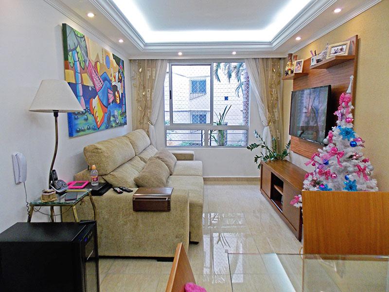 Sacomã, Apartamento Padrão - Sala com piso de porcelanato, teto com sanca de gesso e iluminação embutida.