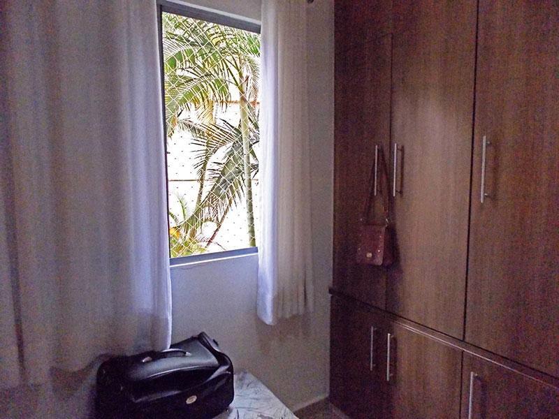 Sacomã, Apartamento Padrão-2º quarto com piso de porcelanato, teto com moldura de gesso, armários planejados e embutidos.