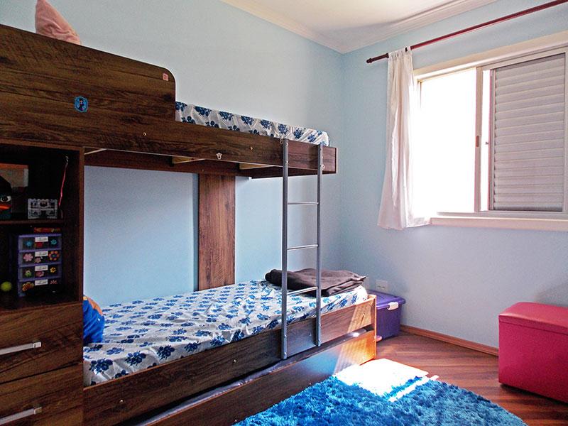Ipiranga, Apartamento Padrão-2º quarto com piso de laminado e teto com moldura de gesso.