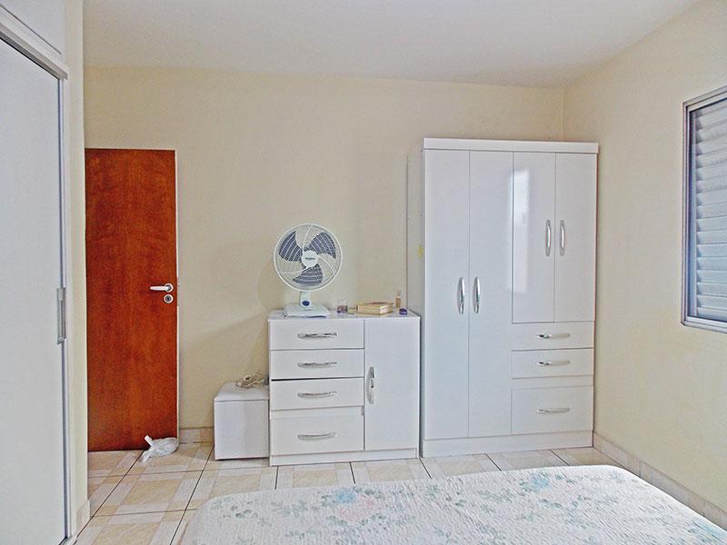 Ipiranga, Apartamento Padrão-1º Quarto com piso de cerâmica e armários embutidos.