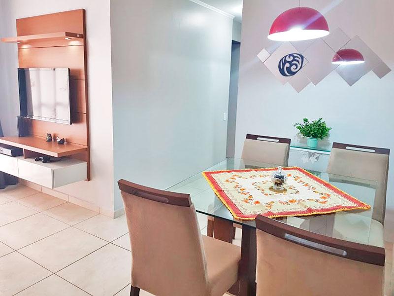 Sacomã, Apartamento Padrão-Sala em L com piso de cerâmica, teto com moldura de gesso e acesso a varanda.