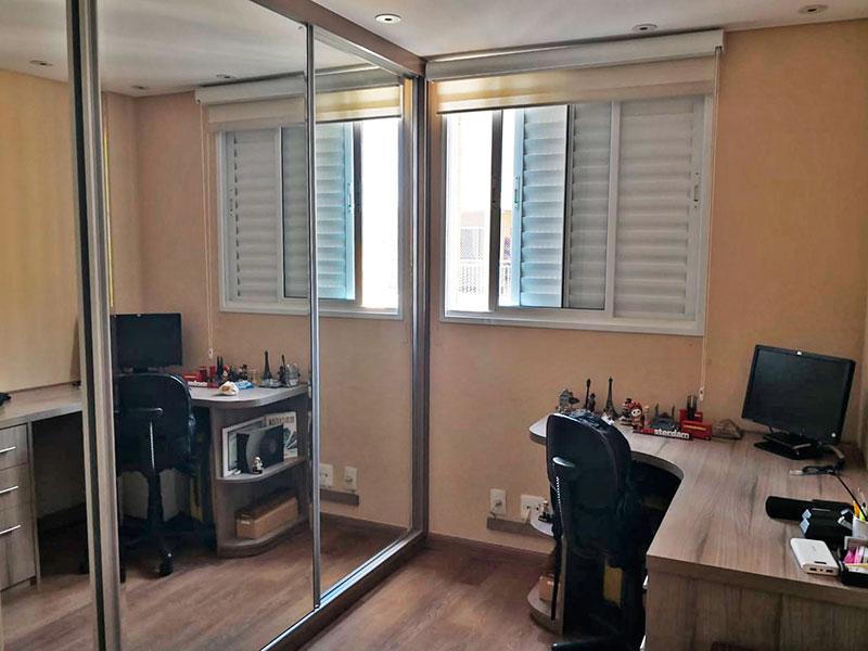 Sacomã, Apartamento Padrão-2º Quarto com piso de laminado, iluminação embutida e armários planejados.