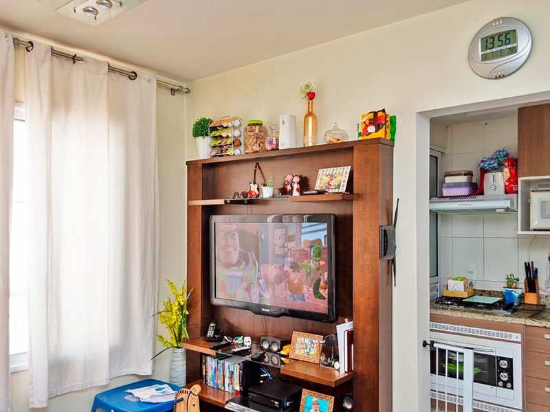 Sacomã, Apartamento Padrão-Sala com piso de laminado.