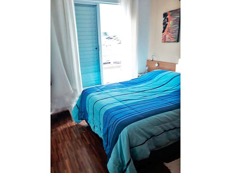 Ipiranga, Apartamento Padrão-1º Quarto com piso de laminado, armários planejados e acesso a varanda.
