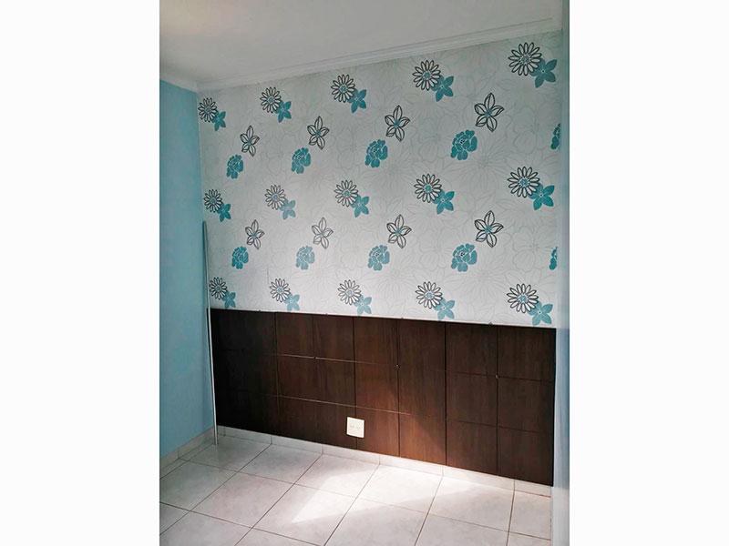 Sacomã, Apartamento Padrão-1º Quarto com piso de porcelanato e teto com moldura de gesso.