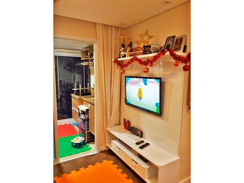 Ipiranga, Apartamento Padrão - Sala com piso de laminado, teto com sanca, iluminação embutido e acesso a varanda.