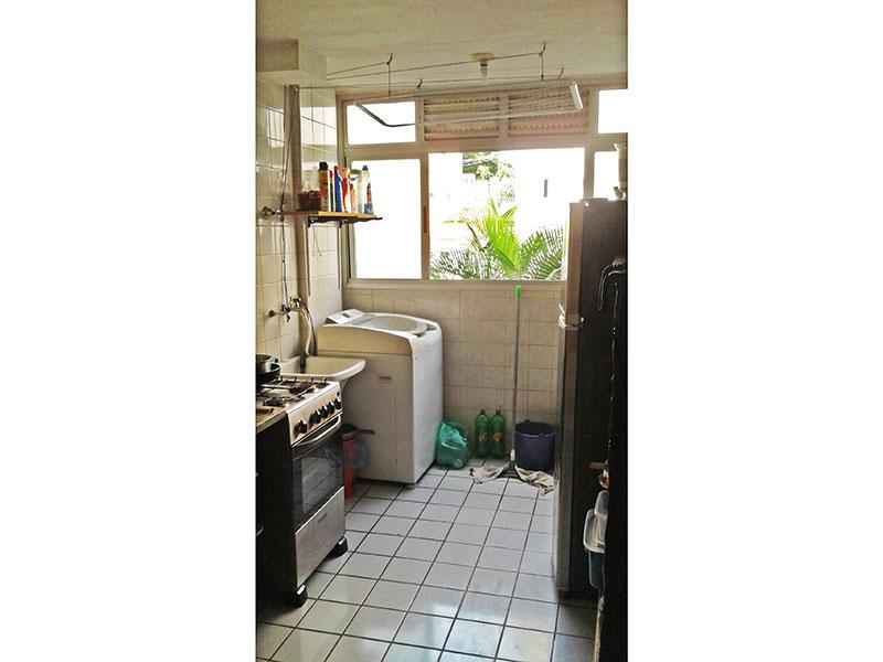 Sacomã, Apartamento Padrão-Cozinha integrada com a área de serviço, com piso de cerâmica e pia de mármore.