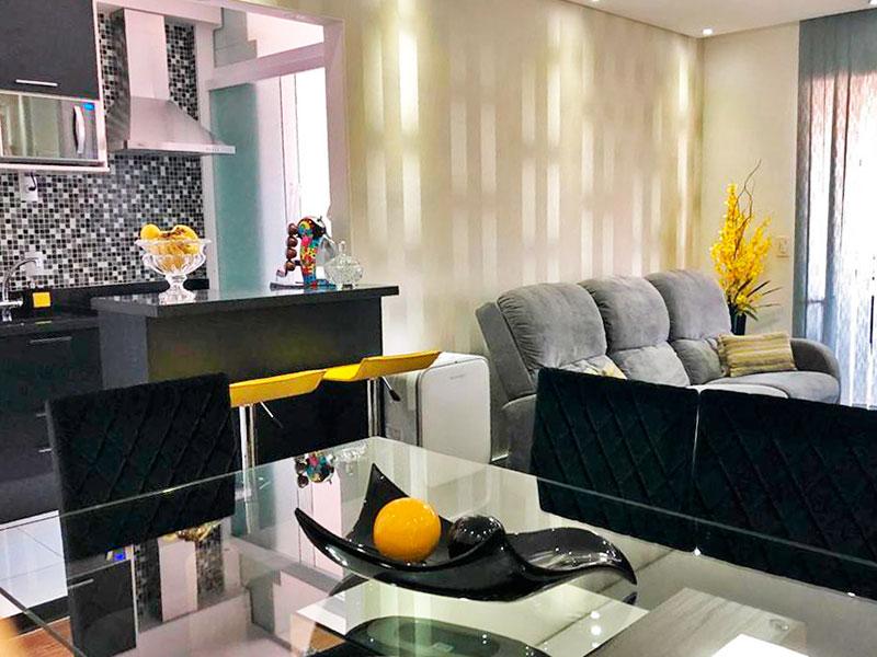 Sacomã, Apartamento Padrão-Sala com piso de lamina, teto com sanca, iluminação embutida e acesso a varanda gourmet.