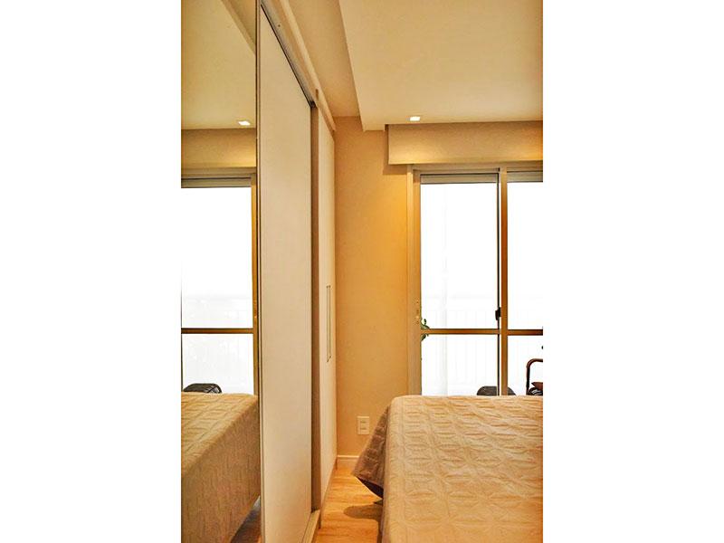 Ipiranga, Apartamento Padrão-Suíte com piso de laminado, teto com sanca, iluminação embutida, armários planejados e acesso a varanda gourmet.