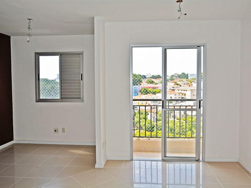 Jabaquara, Apartamento Padrão-Sala ampliada (com o 3º quarto), com piso de porcelanato e acesso a varanda.