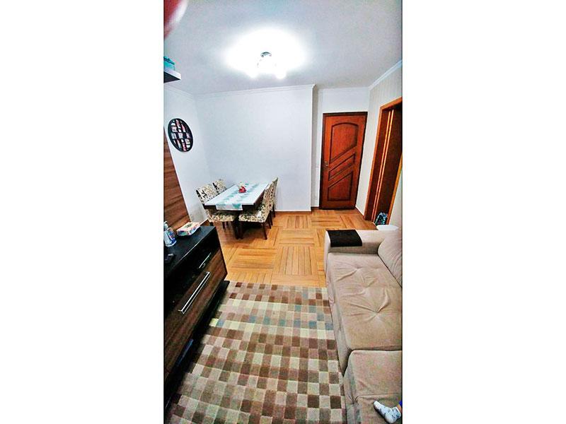 Sacomã, Apartamento Padrão-Sala com piso de taco, teto com moldura de gesso e acesso a varanda.
