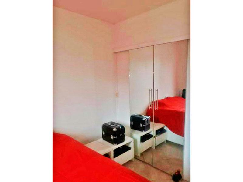 Jabaquara, Apartamento Padrão-1º Quarto com piso de cerâmica e armários embutidos.
