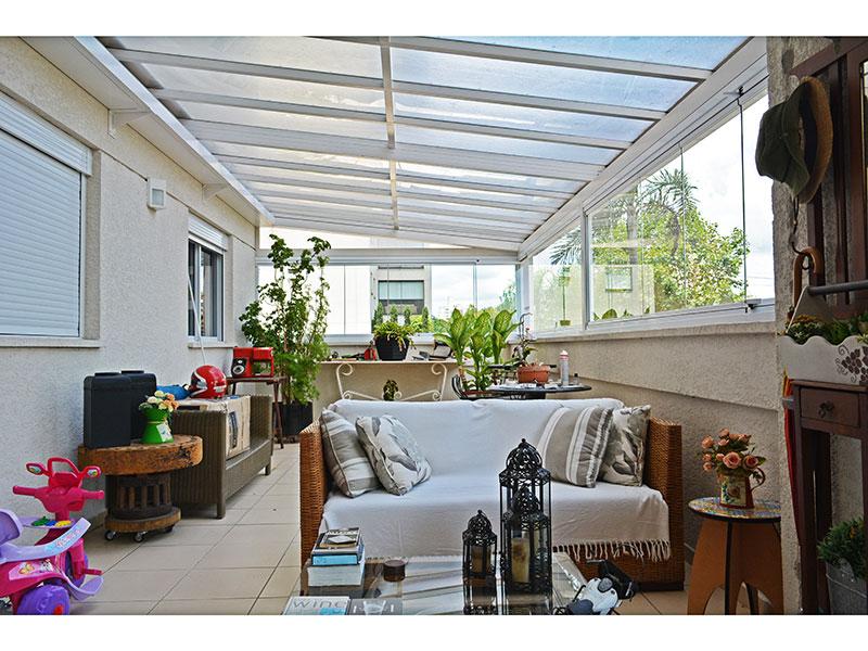 Jabaquara, Apartamento Padrão-Varanda gourmet ampliada com piso de cerâmica, teto com sanca, pia de granito, churrasqueira e fechamento de vidro.