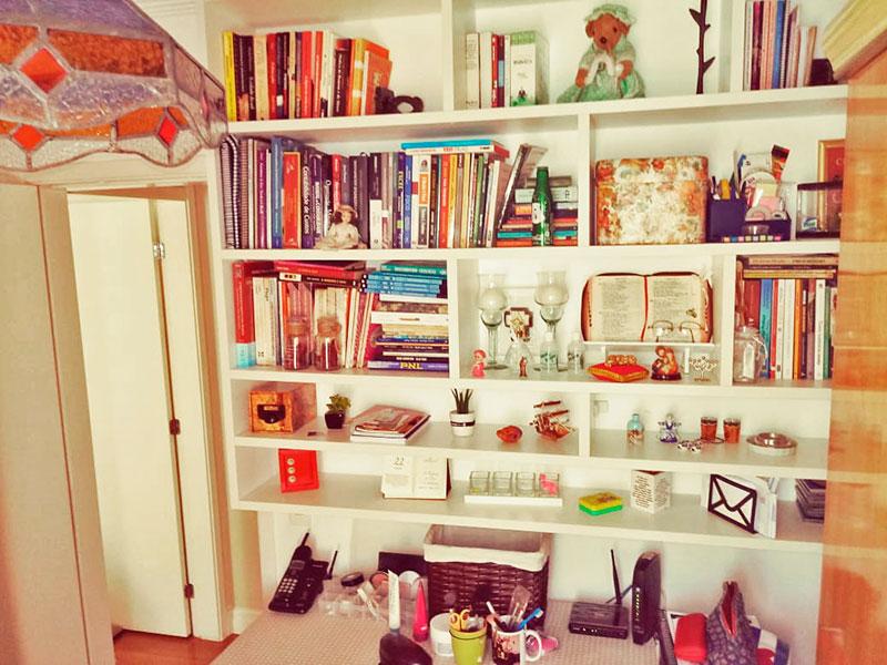 Sacomã, Apartamento Padrão-2º Quarto com piso de carpete de madeira e teto com moldura de gesso.