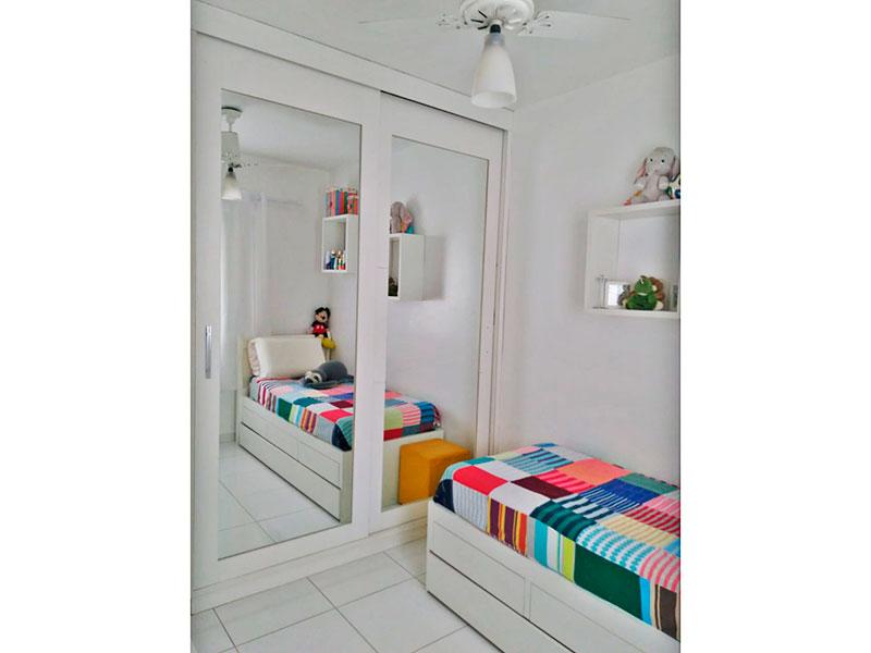 Ipiranga, Apartamento Padrão-2º Quarto com piso de cerâmica e armários planejados.