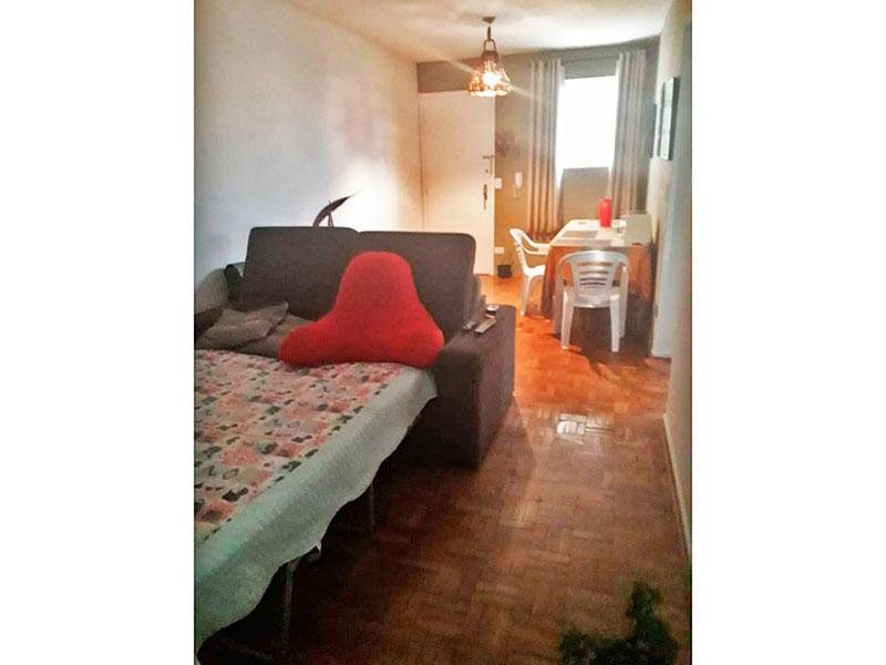 Jabaquara, Apartamento Padrão-Sala com piso de taco.