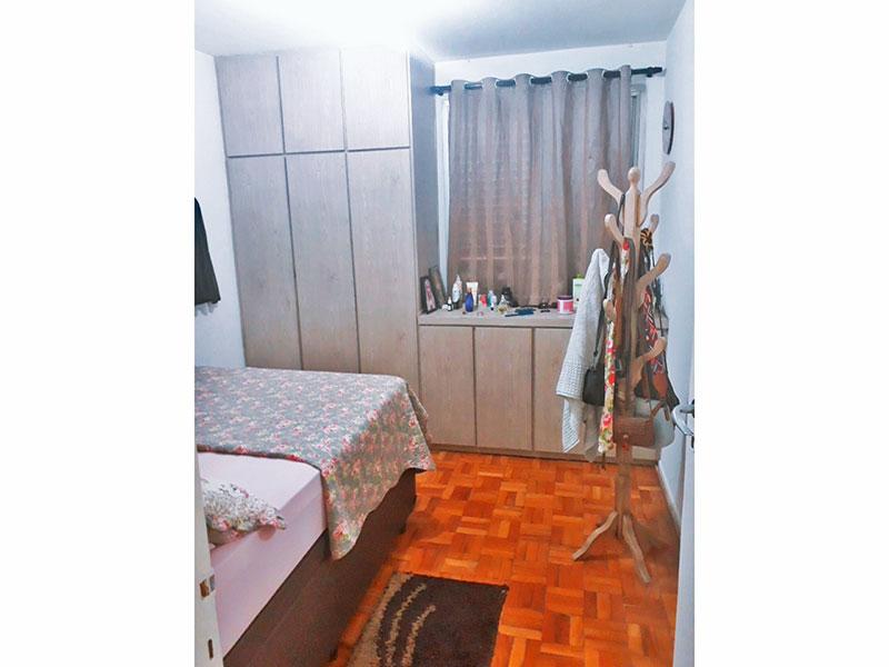 Jabaquara, Apartamento Padrão-Quarto com piso de taco e armários planejados.