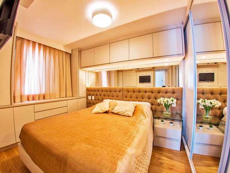 Jabaquara, Apartamento Padrão-Suíte com piso de laminado, armários planejados e embutidos.