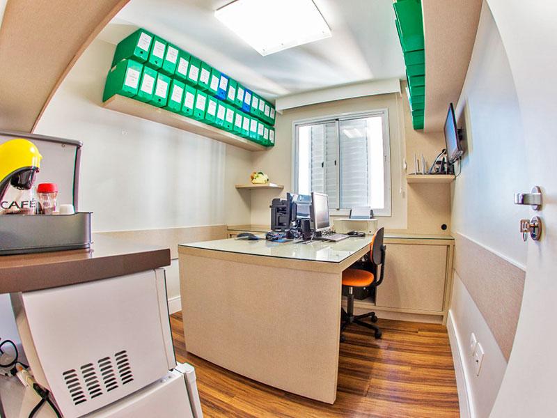 Jabaquara, Apartamento Padrão-3º Quarto com piso de laminado e armários planejados.