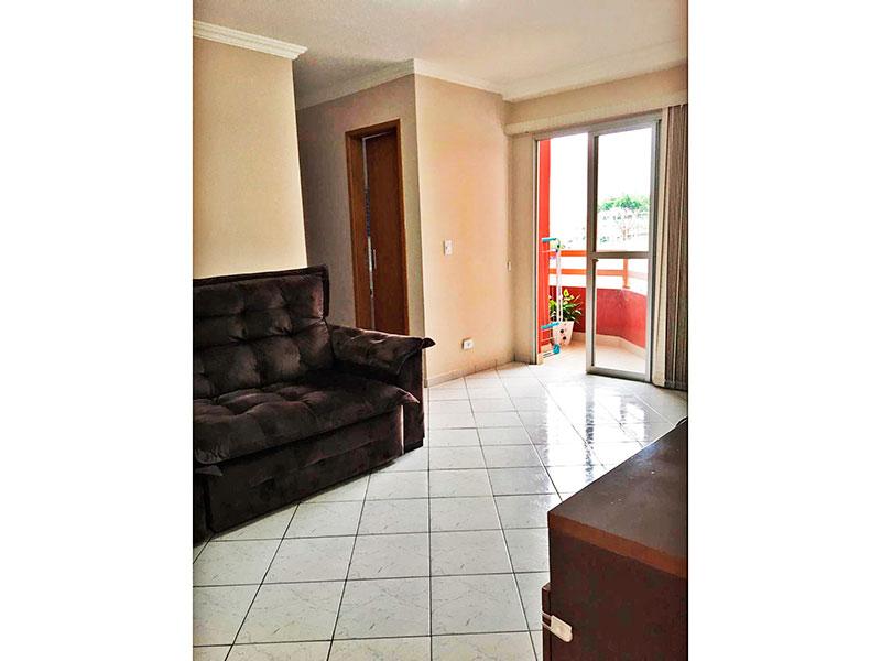 Jabaquara, Apartamento Padrão - Sala com piso de cerâmica, teto com moldura de gesso e acesso a sacada.