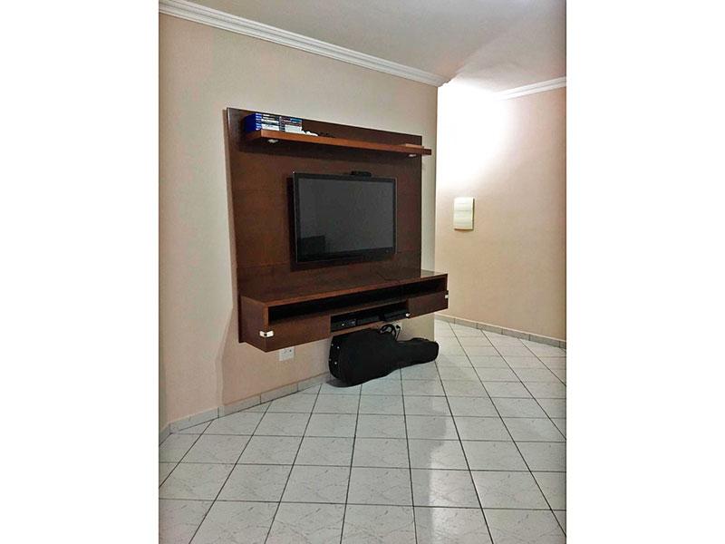 Jabaquara, Apartamento Padrão-Sala com piso de cerâmica, teto com moldura de gesso e acesso a sacada.