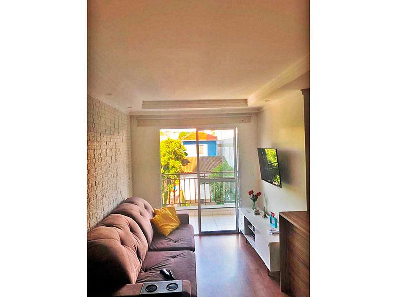 Ipiranga, Apartamento Padrão - Sala com piso de laminado, teto com sanca de gesso, iluminação embutida e acesso a varanda.