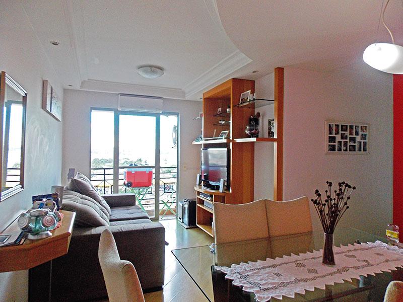 Ipiranga, Apartamento Padrão - Sala com piso de laminado e acesso a varanda.