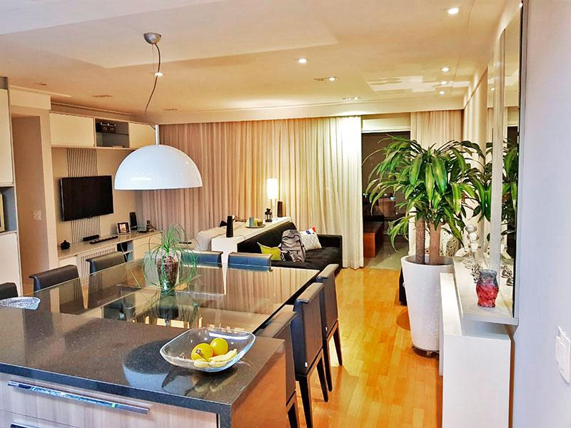 Ipiranga, Apartamento Padrão - Sala ampliada (com o 4º quarto), com piso de tacão, teto com sanca de gesso, iluminação embutida, armários planejados e acesso a varanda.