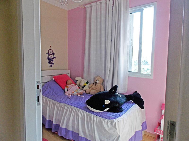 Sacomã, Apartamento Padrão-2º Quarto com piso de laminado e armários planejados.