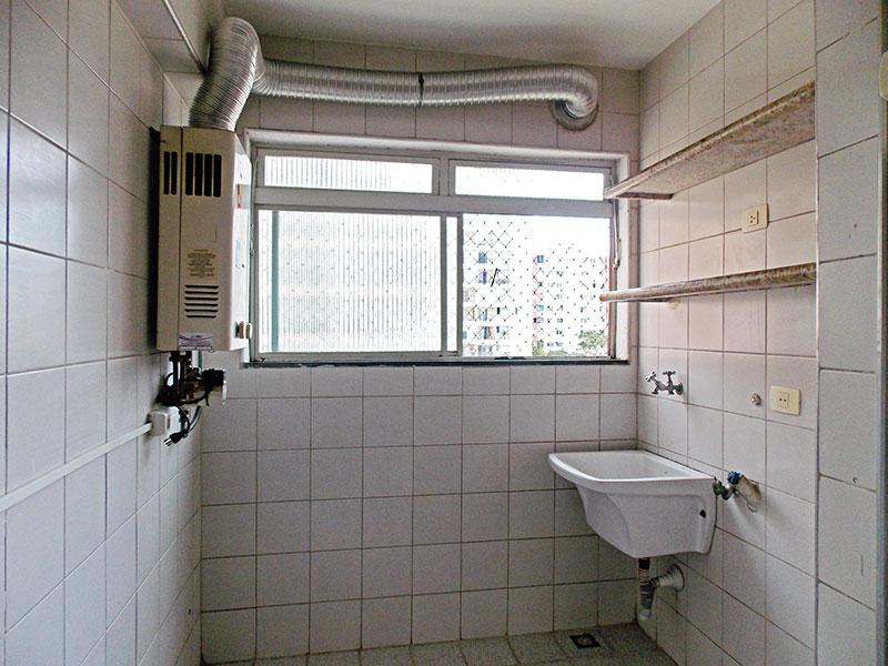 Jabaquara, Cobertura Duplex-Área de serviço com piso de cerâmica, tanque e aquecedor de passagem.