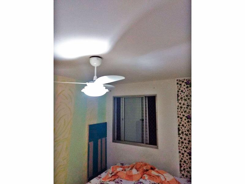 Jabaquara, Apartamento Padrão-1º Quarto com piso de laminado e armários planejados.