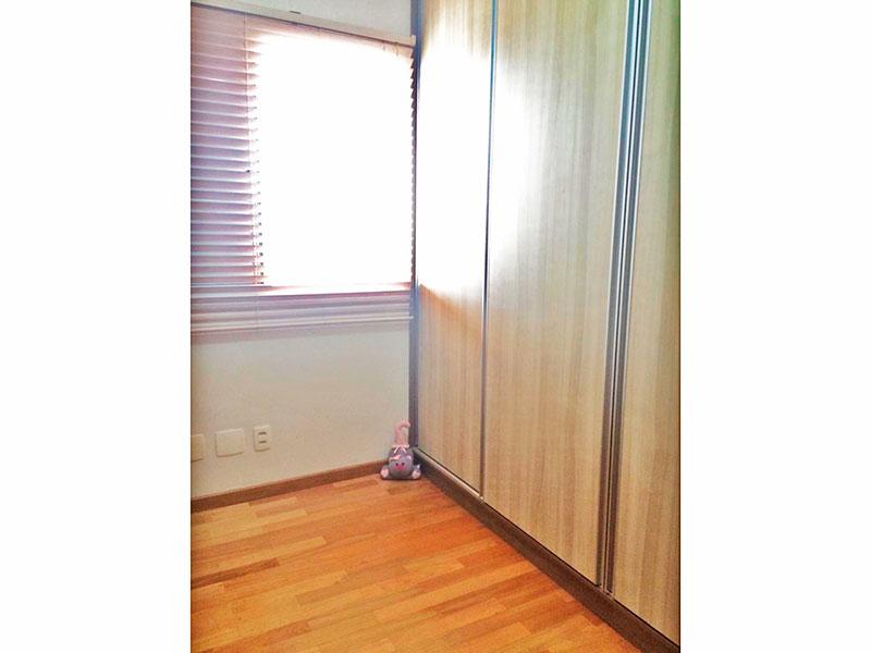 Ipiranga, Apartamento Padrão-2º Quarto com piso de taquinho e armários planejados.