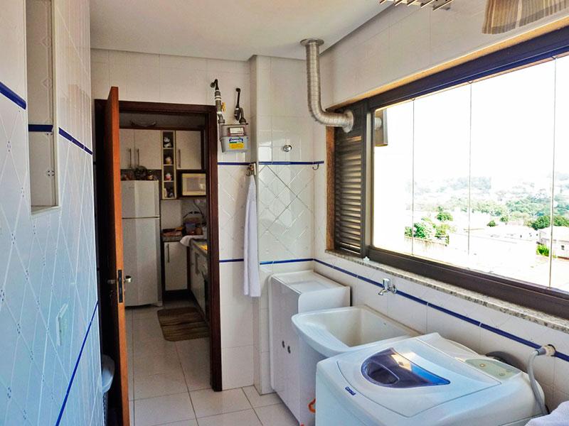 Sacomã, Apartamento Padrão-Área de serviço com piso de cerâmica e teto com sanca.