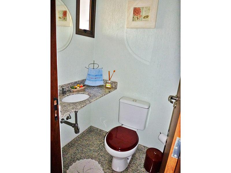 Sacomã, Apartamento Padrão-Banheiro da área de serviço com piso de mármore e pia de mármore.