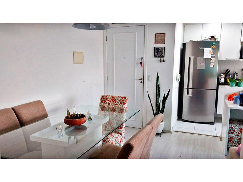 Sacomã, Apartamento Padrão-Sala em L com piso de laminado, teto com sanca de gesso e iluminação embutida.