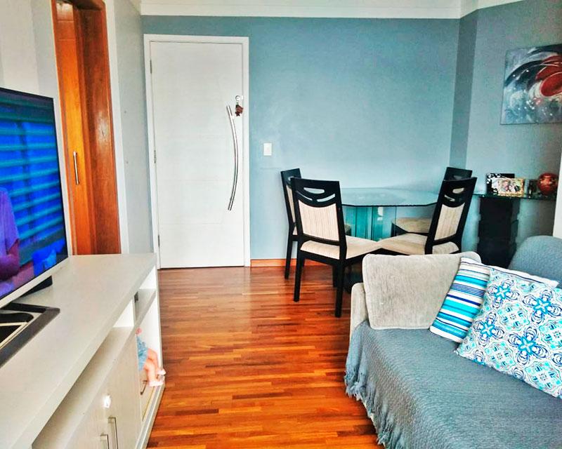 Sacomã, Apartamento Padrão-Sala em L com piso de taquinho e acesso a varanda gourmet.
