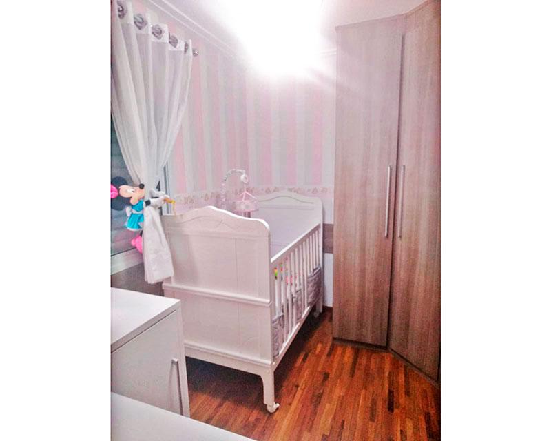 Sacomã, Apartamento Padrão-2º Quarto com piso de taquinho, teto com moldura de gesso e armários planejados.