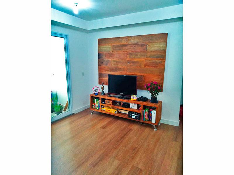 Jabaquara, Apartamento Garden-Sala com piso de laminado e acesso a cozinha.