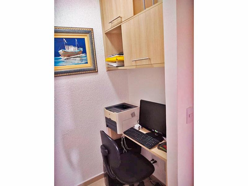 Sacomã, Apartamento Padrão-3º Quarto com piso de cerâmica e armários planejados.