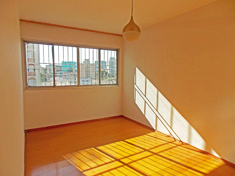 Jabaquara, Apartamento Padrão - Sala com piso de laminado.