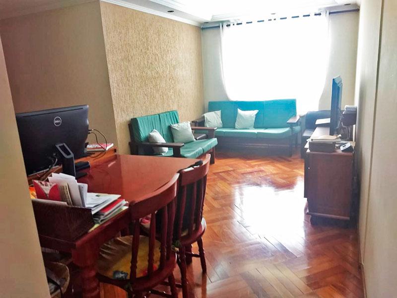 Sacomã, Apartamento Padrão - Sala em L com piso de taco, teto com sanca de gesso e iluminação embutida.