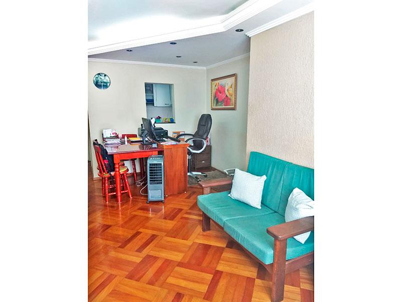 Sacomã, Apartamento Padrão-Sala em L com piso de taco, teto com sanca de gesso e iluminação embutida.