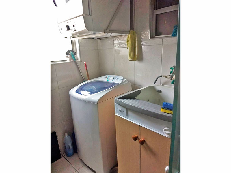 Sacomã, Apartamento Padrão-Área de serviço com piso de cerâmica e gabinete.