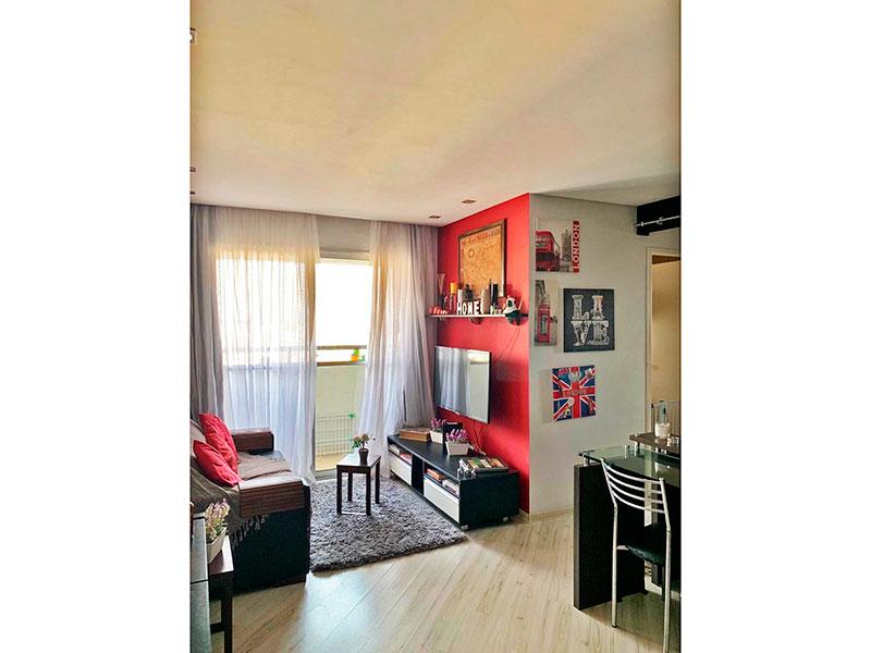 Sacomã, Apartamento Padrão - Sala em L com piso de laminado, teto com sanca, iluminação embutida e acesso a varanda.