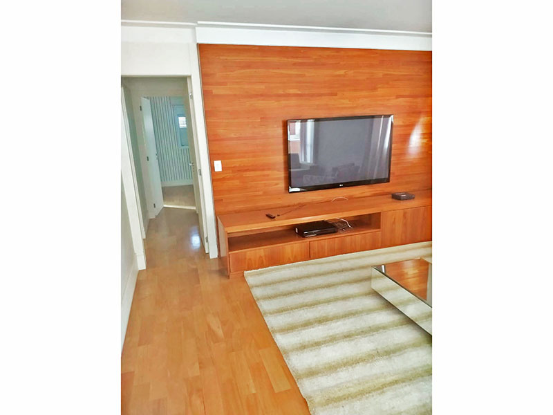 Ipiranga, Apartamento Padrão-Sala ampliada (com o 4º quarto), com piso de taco, teto com sanca e acesso a varanda gourmet.