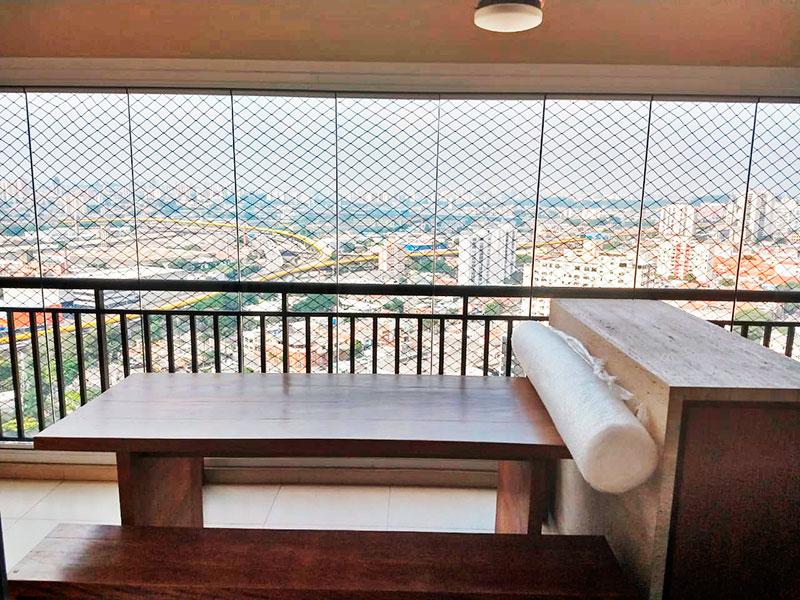 Ipiranga, Apartamento Padrão-Varanda gourmet com piso de cerâmica, gabinete, pia de granito, churrasqueira, fechamento de vidro e tela de proteção.
