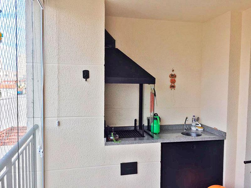 Ipiranga, Apartamento Padrão-Varanda com piso de cerâmica, gabinete, pia de granito, churrasqueira, fechamento de vidro e tela de proteção.