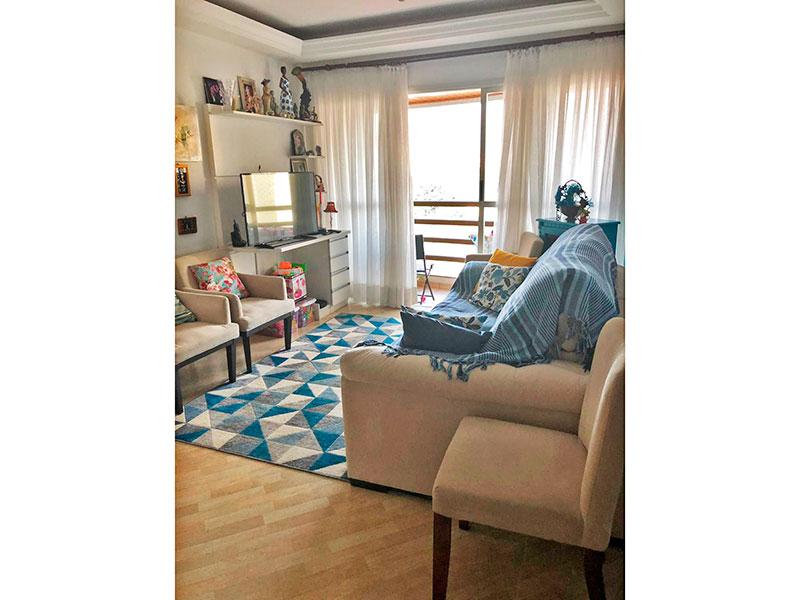 Ipiranga, Apartamento Padrão - Sala com piso de laminado, teto com sanca de gesso e acesso a varanda.
